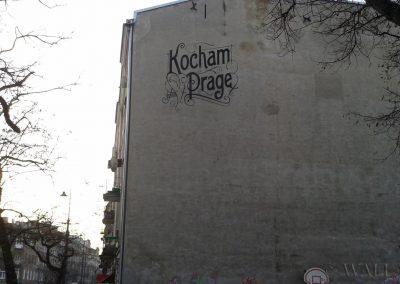 wykonany mural Kocham Pragę
