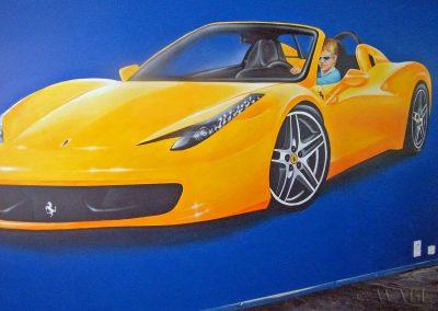 namalowane Ferrari - za kierownicą jest chłopiec, którego to jest pokój.
