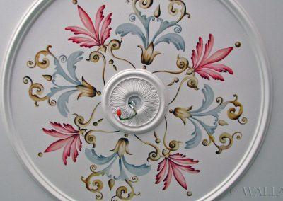 ornamenty na suficie - namalowana rozeta