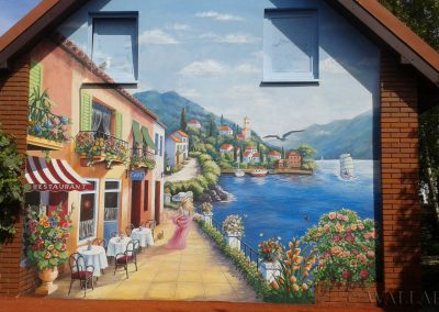 wykonane malowidło  w ogrodzie