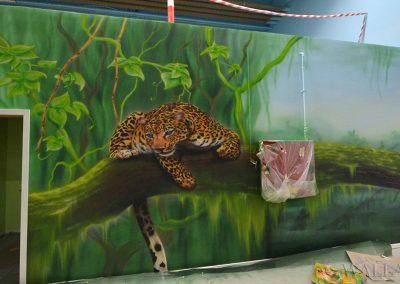 pomalowana ściana - lampart