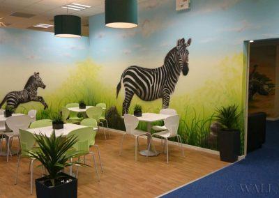 pomalowana ściana - zebra