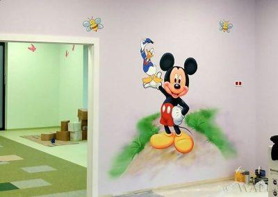 malowidło w przedszkolu - Myszka Miki