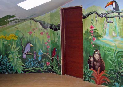 pomalowana sala zabaw - dżungla