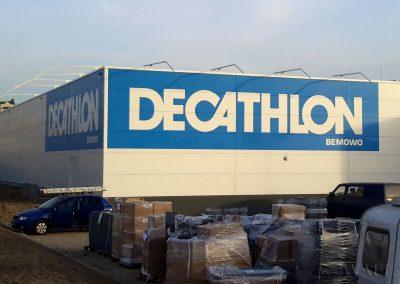namalowane logotypy Decathlon
