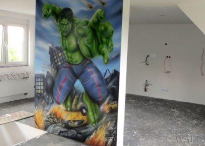 pomalowana ściana - Hulk