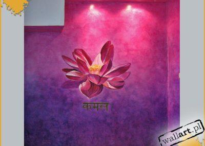 wykonane malowidło - kwiat lotosu