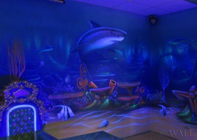 podwodny pokój urodzinowy  - malowanie fluorescencyjne UV