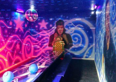 pomalowana ściana - pokój disco