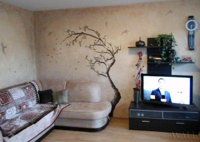 wykonana przecierka i malowidło w salonie