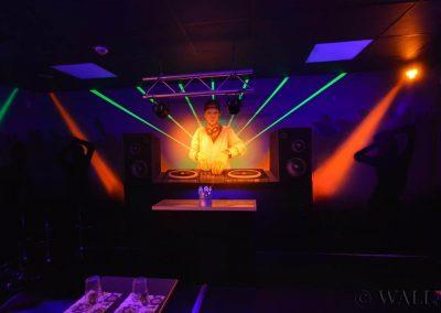 pokój urodzinowy - disco  - malowanie fluorescencyjne UV