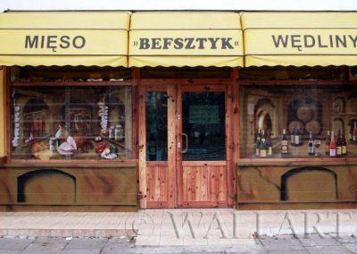 ożywiona witryna sklepu mięsnego