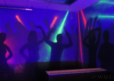pokój urodzinowy - malowanie fluorescencyjne UV