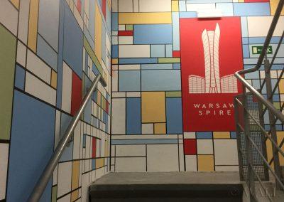 pomalowane ściany - klatka schodowa