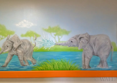 mural - elephants